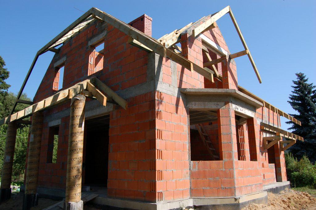 budowa domu z poddaszem w okolicach warszawy